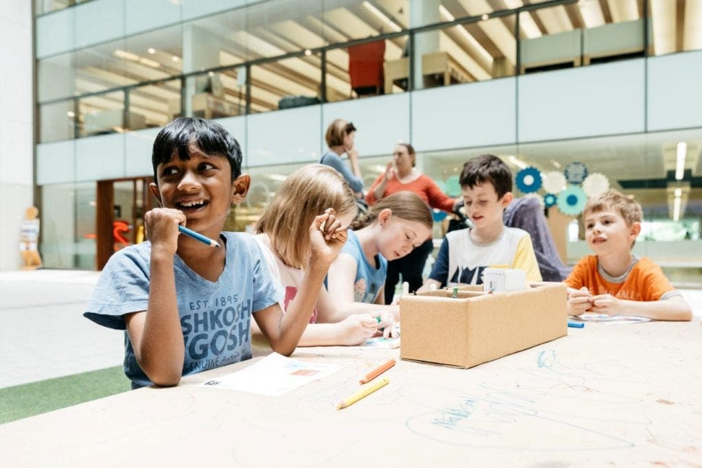 state library kids working