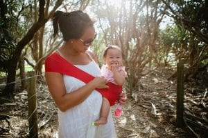How_to_use_a_baby_sling_3
