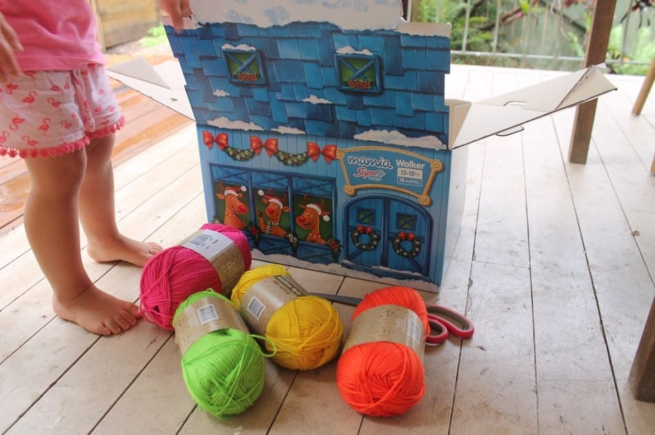 Christmas Craft with Kids Wool Wrapped Christmas Ornaments (2)