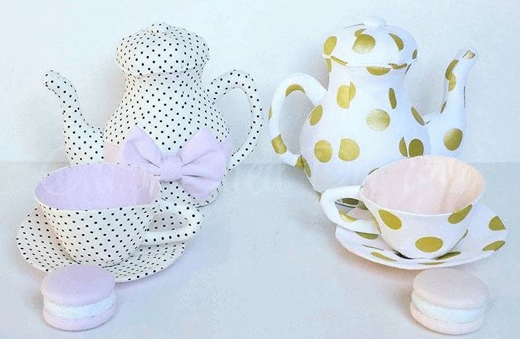 Tea sets for display