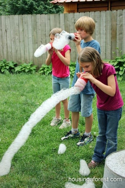 Bubble snakes for medium kids on school holidays