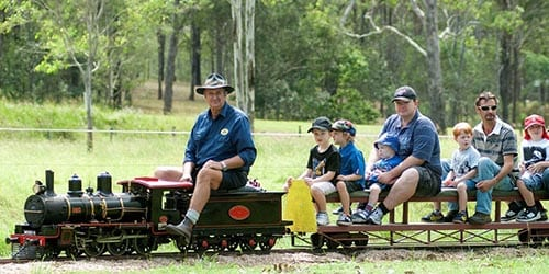 Ipswich to Toowoomba - small train for kids, kids riding and having fun