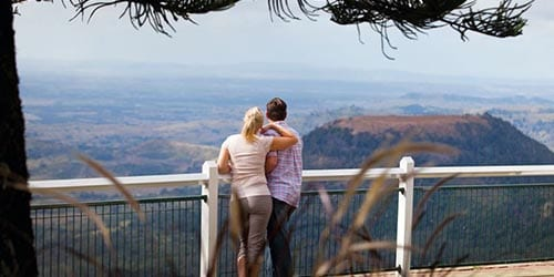 Ipswich to Toowoomba - couple looking towards horizon from a high vantage point
