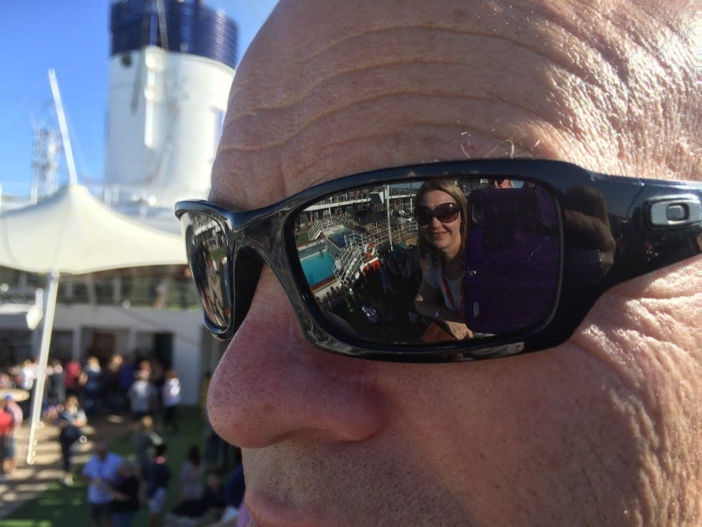 reflection in glasses cool cruise photos