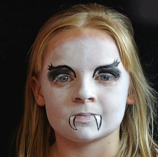 halloween-make-up-tutorial-3 - add teeth Halloween face painting