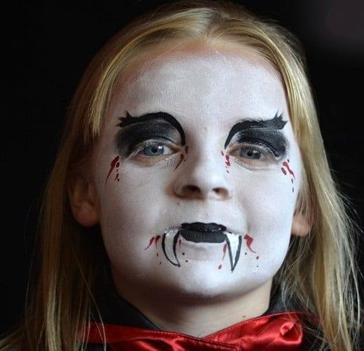 halloween-make-up-tutorial-4 - finished vampire look