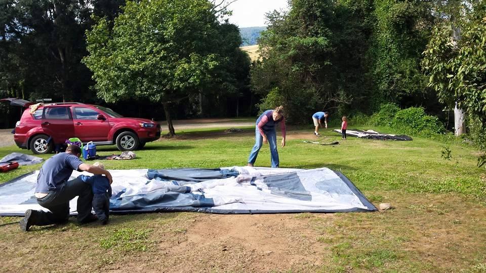 neurum creek putting up tent