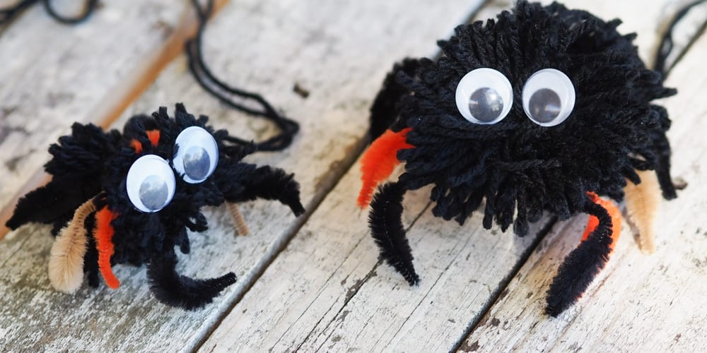 Halloween craft Pom Pom Tarantula