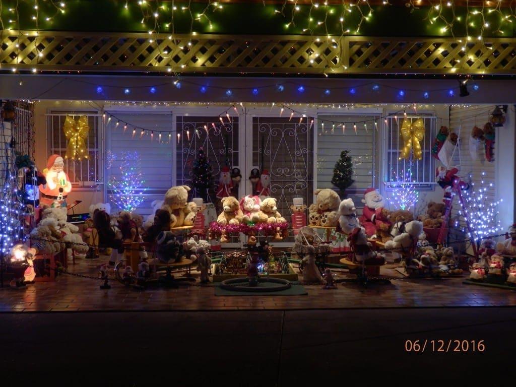 10 Warunda Street, Kenmore christmas lights