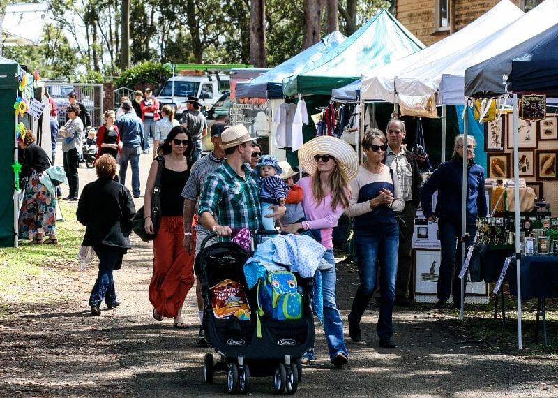 Family enjoying strolling through market stalls at Mount Tamborine Show