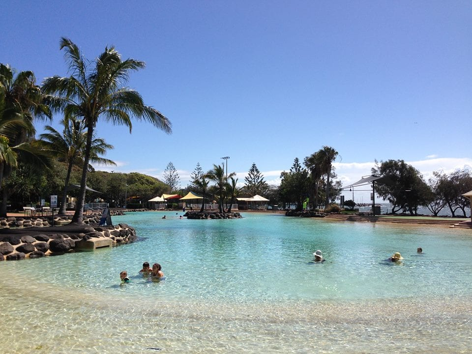 Settlement Cove in Redcliffe pople swimming on a beautiful day