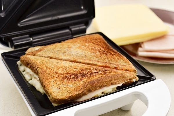 Jaffle fillings in a sandwich press