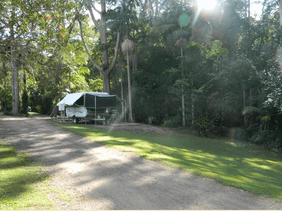 Mapleton Cabins and Caravan Park