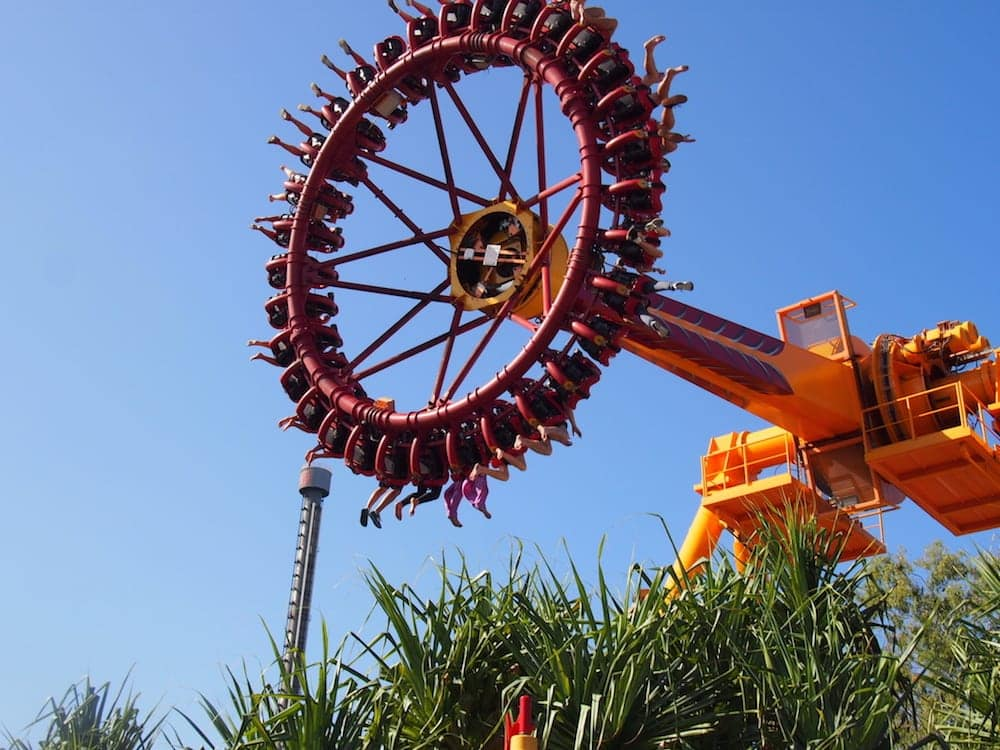 claw ride at dreamworld for families