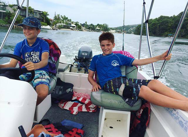 things to do in noosa with kids boat