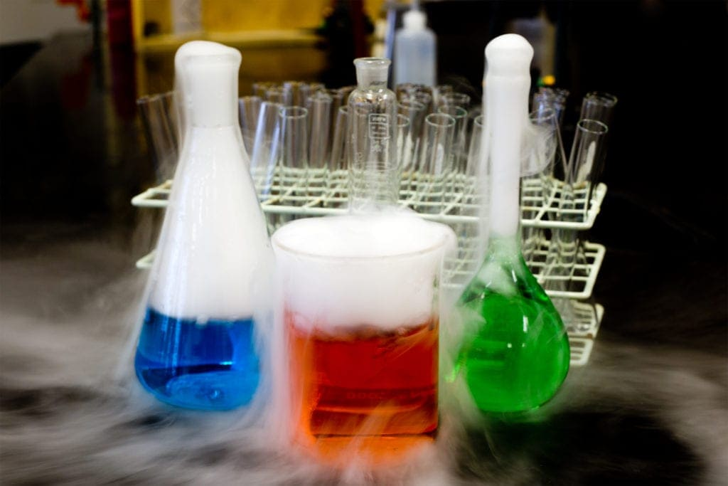 Dry Ice experiments feature