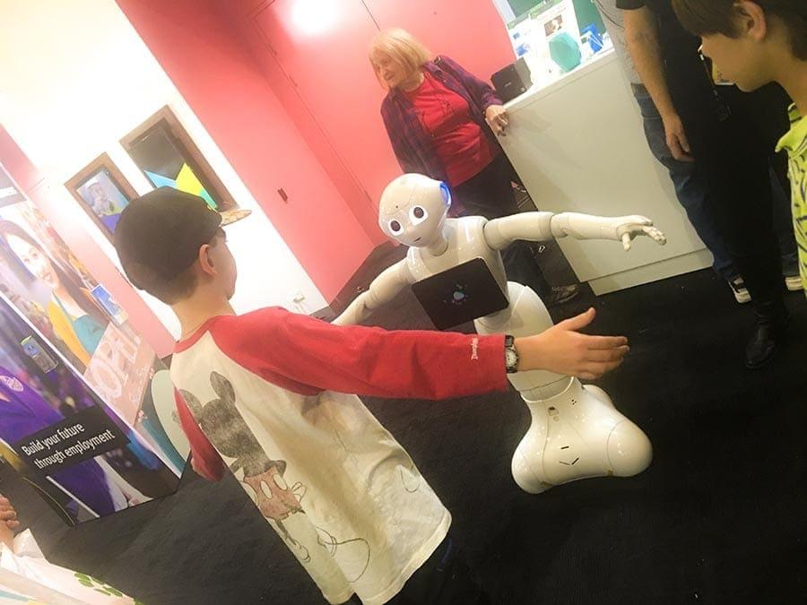 Ekka robot