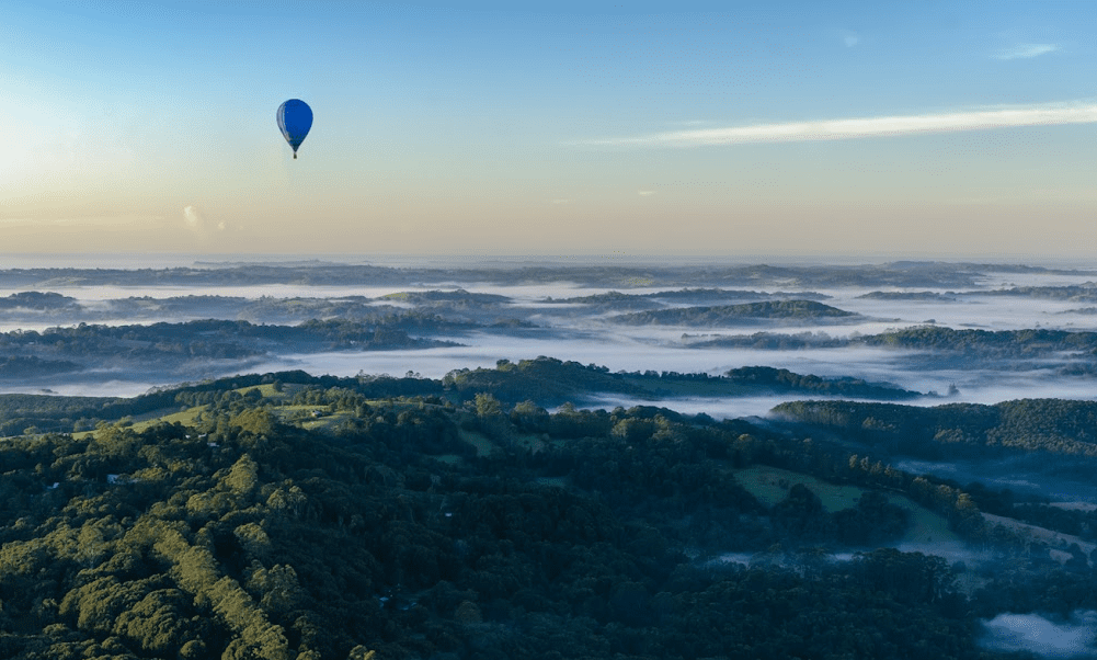 luxury long weekend activities hot air balloon