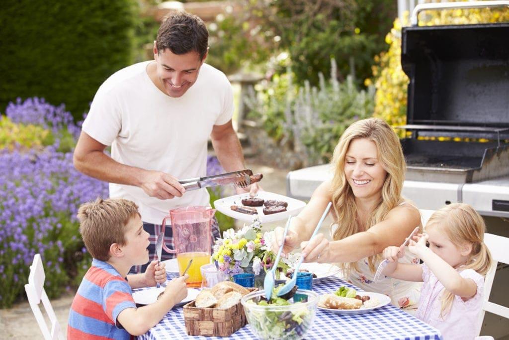 brisbane's best bbq spots family eating