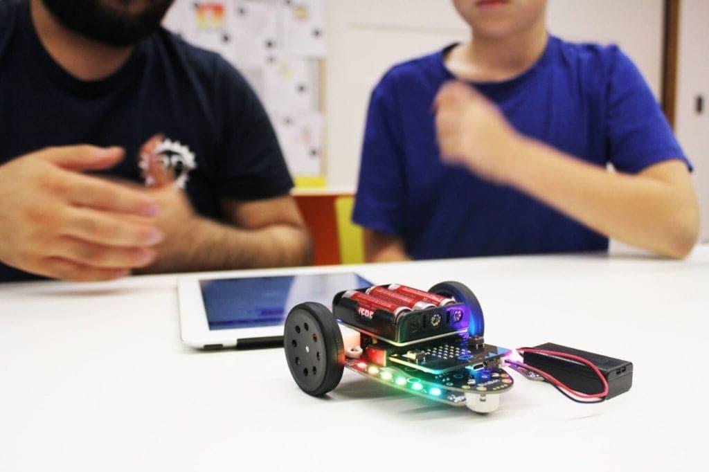 Robotics Programming with Robotics Playground
