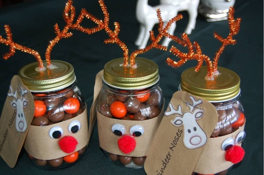 Homemade Christmas Gifts - Mason Jar Reindeers