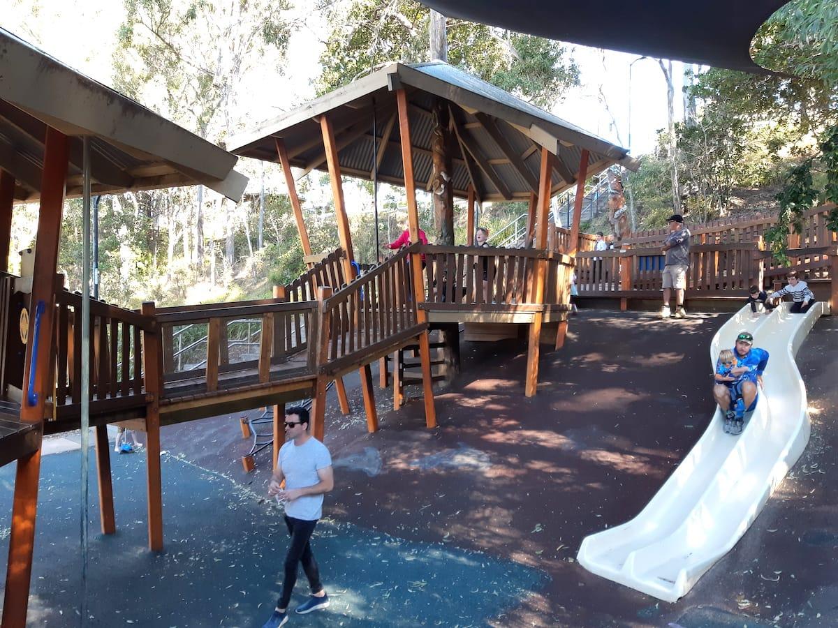 Lower Moora Park - park with slide