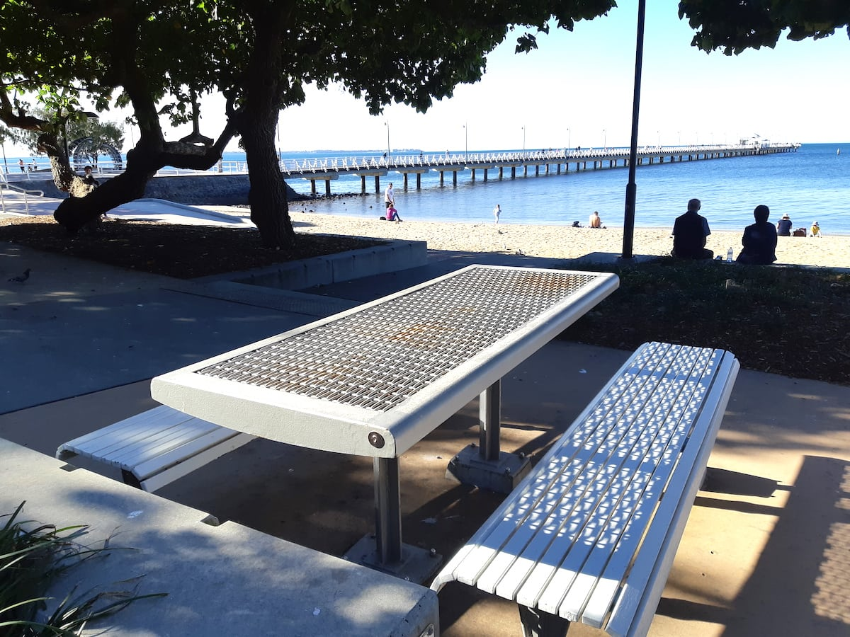 Lower Moora Park - picnic table with view