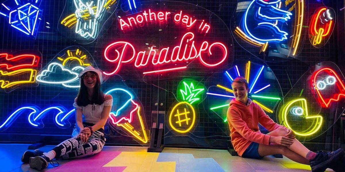 Neon Paradise GC 2020