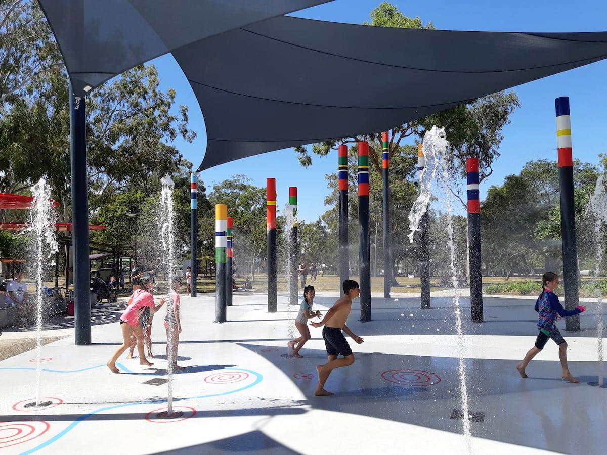 Logan Garden Water Park - spray poles
