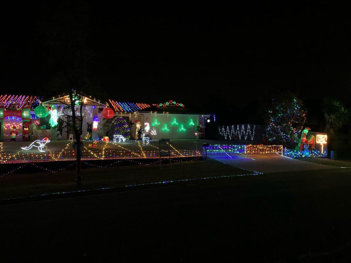 6-8 Woodcrest Close Redland Bay christmas lights