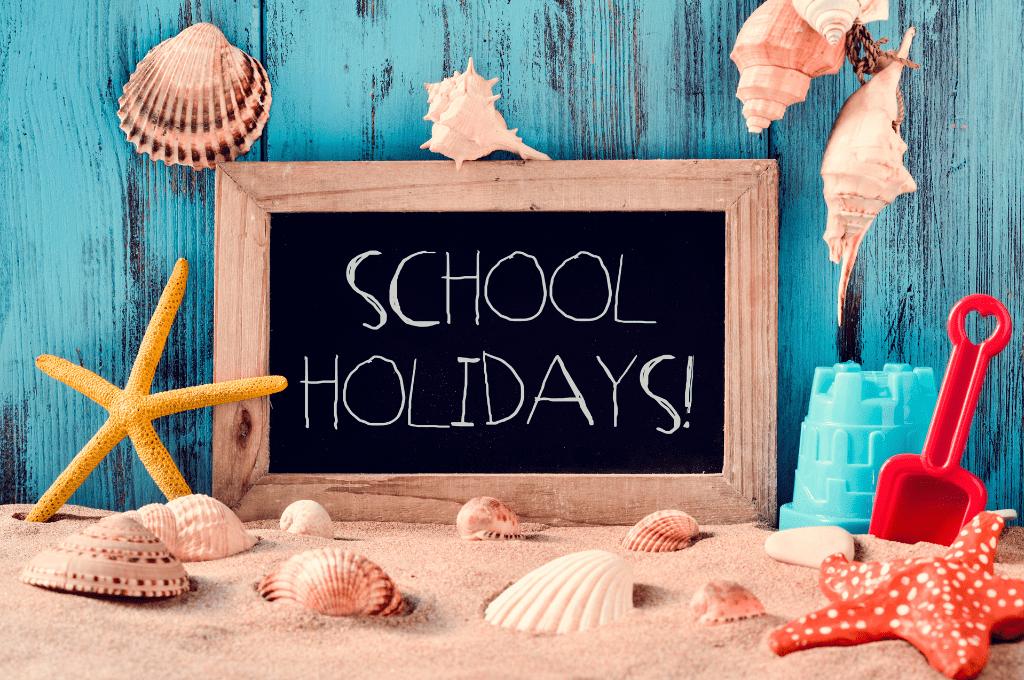 Gold Coast School Holidays sign