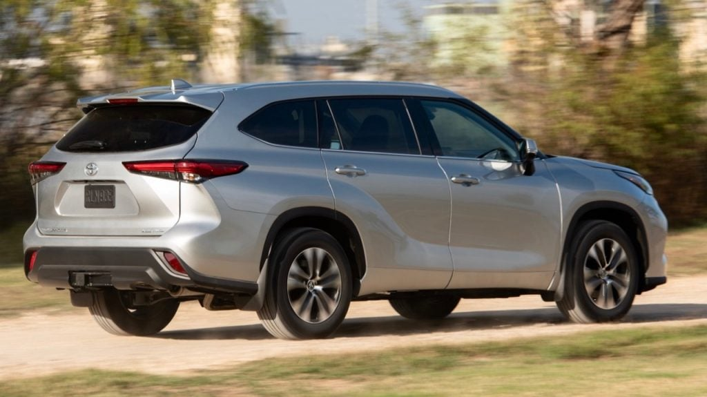 Toyota-Kluger hybrid - large family car