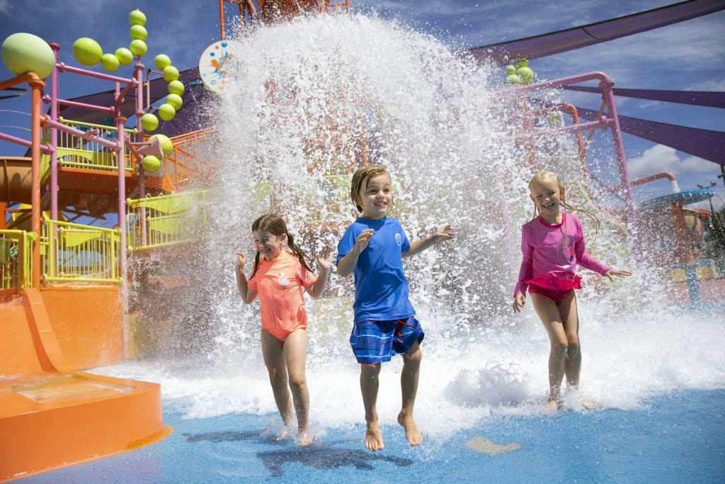 Pipeline Plunge at WhiteWater World