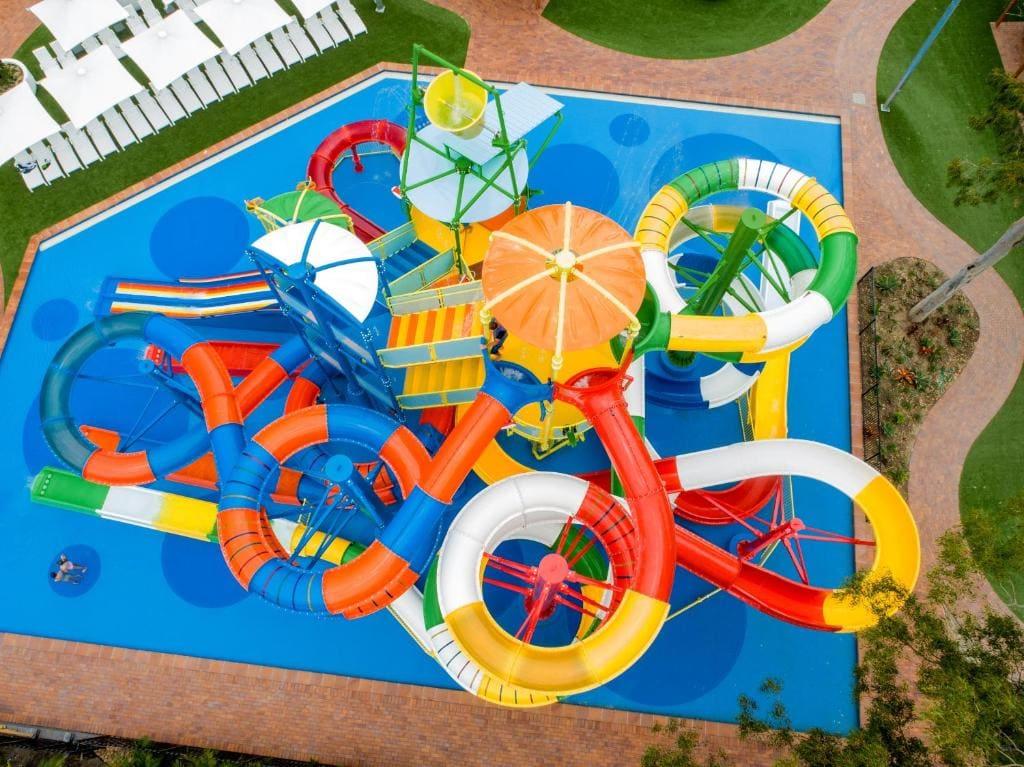 accommodation on the gold coast near theme parks