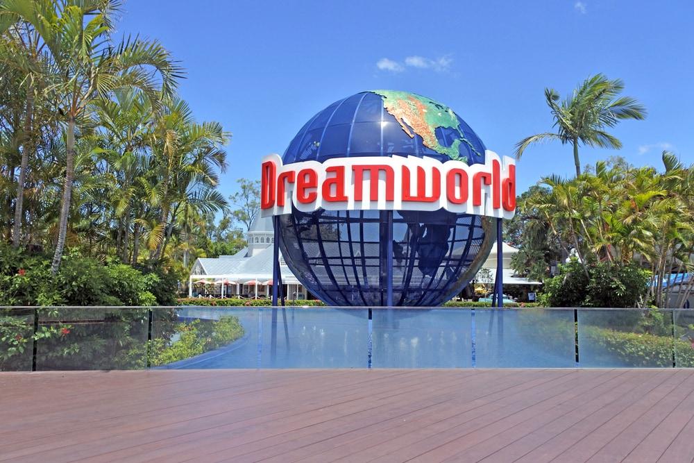 dreamworld accommodation