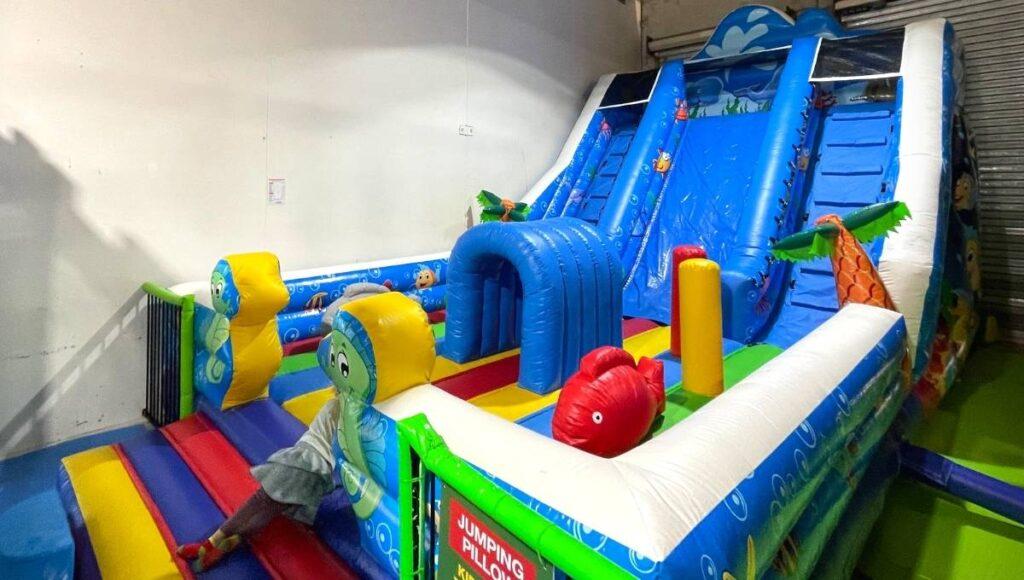 Croc's PlayCentre Underwood Jumping Castle