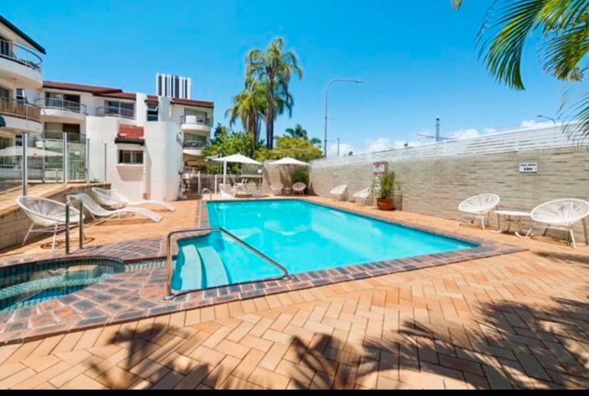 holiday accommodation gold coast pet friendly