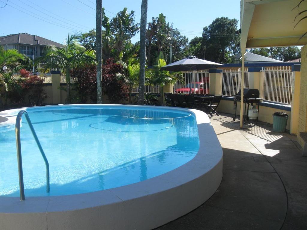 pet friendly accommodation qld coast